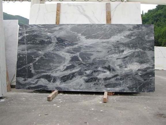 Marmo bianco lastre pavimenti e rivestimenti marmo for Precio del granito por metro