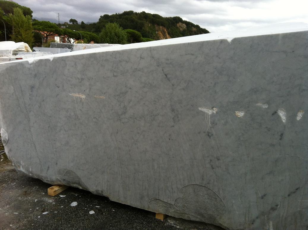Marmo bianco blocchi semiblocchi produzione di marmo for Marmol de carrara rosa